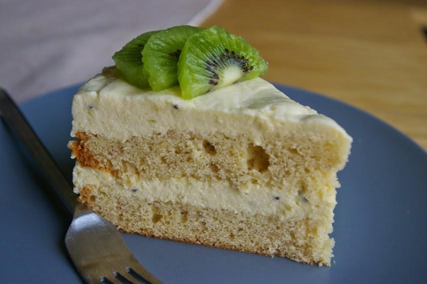 Brza voćna torta sa bananama i kivijem recept