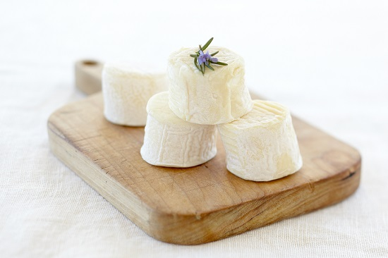 Kozji sir – sastav, lekovitost, upotreba i recepti